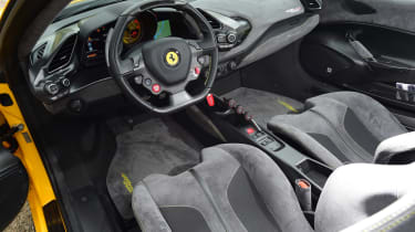 Ferrari 488 Pista Spider - dash