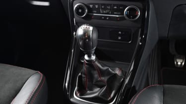 Ford EcoSport - gear lever