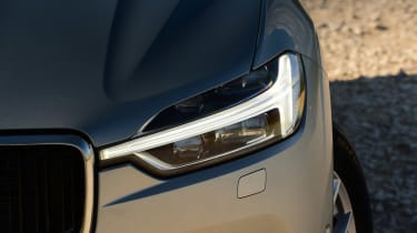 Volvo XC60 - front light