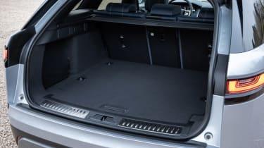 Range Rover Velar P400e - boot