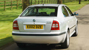 Skoda Octavia - rear tracking
