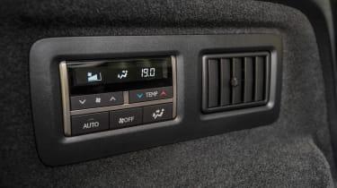 Lexus RX L - buttons