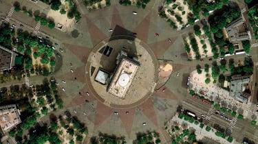 Place Charles de Gaulle, Paris, France