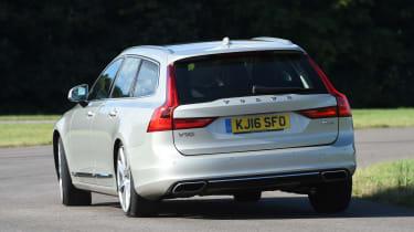Volvo V90 2016 - rear cornering