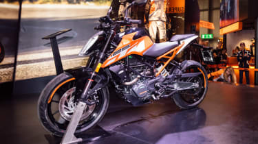 KTM Duke 125 review - static