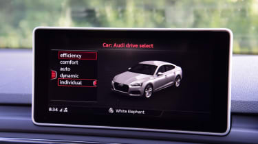 Twin test - Audi A5 - infotainment screen