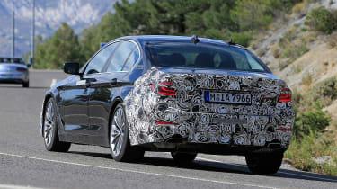 BMW 5 Series facelift - spyshot 7