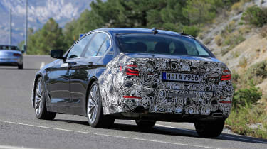 BMW 5 Series facelift - spyshot 7