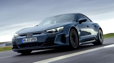 Audi e-tron GT - front tracking