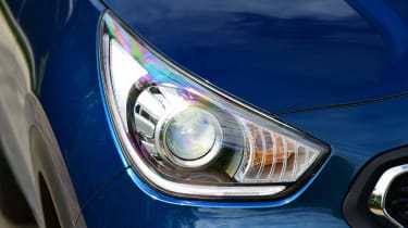 Kia Niro - front light detail