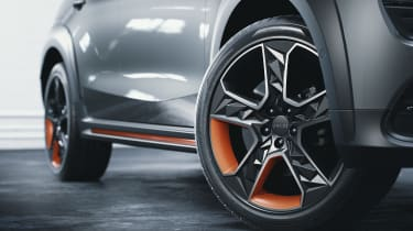 Lynk & Co 02 - wheels