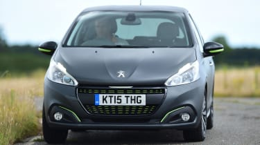 Peugeot 208 - front cornering