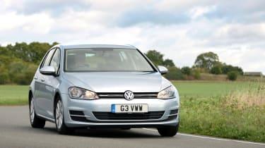 Volkswagen Golf 1.0 BlueMotion DSG  cornering