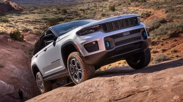 Jeep Grand Cherokee 4xe - front off-road