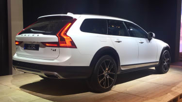 Volvo V90 Cross Country - reveal rear quarter