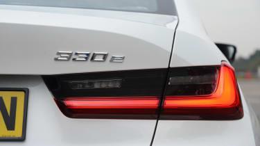 BMW 330e - brake light