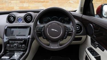 Jaguar XJ 3.0 V6 Supercharged interior
