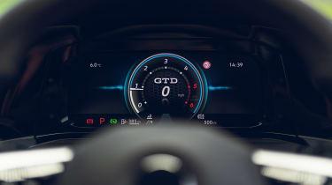 Volkswagen Golf GTD - dials