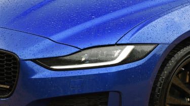 Jaguar XE - front lights