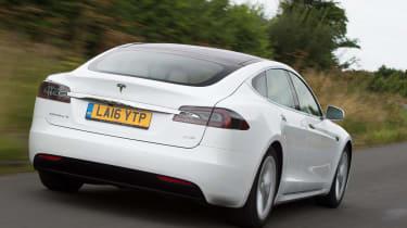 Tesla Model S 60D 2016 - rear tracking