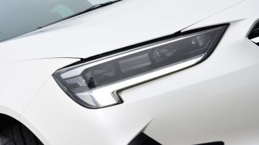 Vauxhall Insignia 1.5 diesel - front light