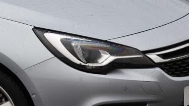 Vauxhall Astra - Head Light