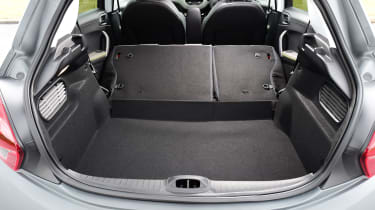 Peugeot 208 - boot