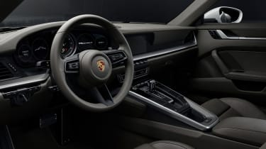 Porsche 911 Carrera 4 - interior