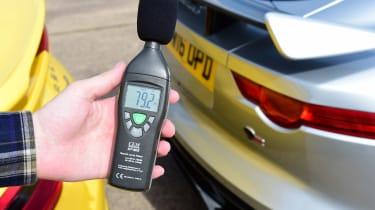 Jaguar F-Type SVR vs Porsche 911 Turbo - decibel