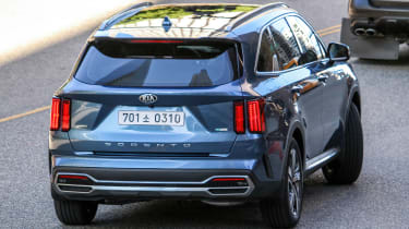 Kia Sorrento - undisguised - rear tracking