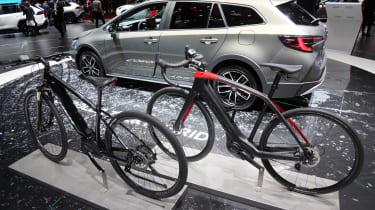 Toyota Corolla Trek - Geneva bikes