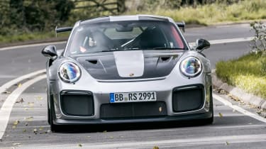 Porsche 911 GT2 RS - front tracking