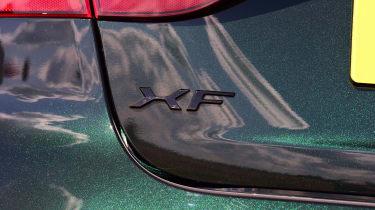 Jaguar XF P250 - XF badge