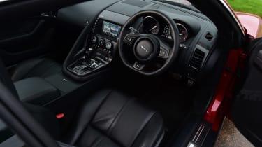 Jaguar F-Type R - dash