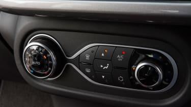 Triple test –Renault Twingo - central controls