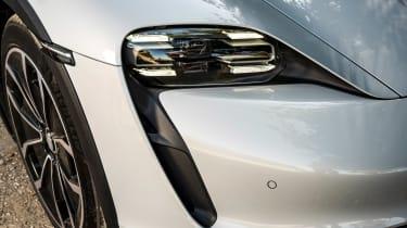 Porsche Taycan 4S Cross Turismo - front light