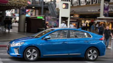 Hyundai Ioniq autonomous - side action