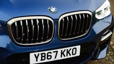 BMW X3 M40i - grille