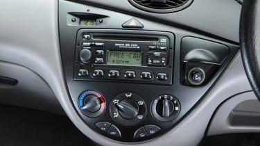 Ford Focus Mk1 - centre console