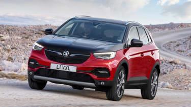 Vauxhall Grandland X Hybrid4 - front tracking