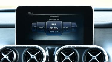 Mercedes x-class infotainment