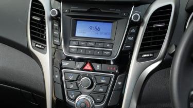 Hyundai i30 1.6 CRDi interior detail