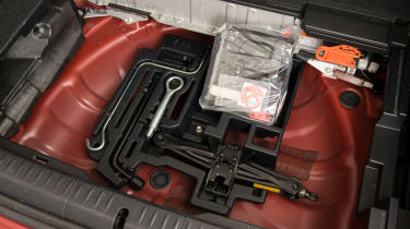 Used Lexus CT 200h - spare wheel kit