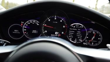 Porsche Panamera - dials