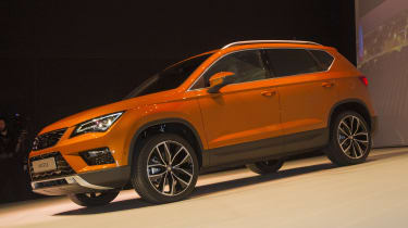SEAT Ateca SUV 2016 - show reveal front quarter