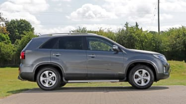 Used Kia Sorento - side