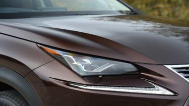 Lexus NX 300h - front light