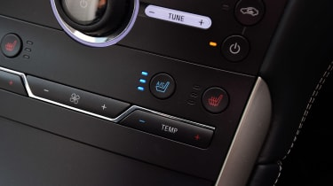 Ford S-MAX Vignale - heated seats button