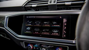 Audi RS Q3 - infotainment