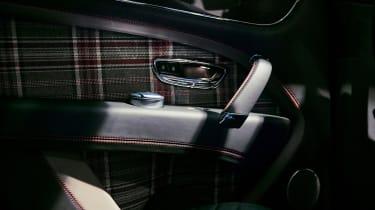 Bentley Bentayga Huntsman - door